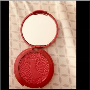 Tarte amazonian clay blush in natural beauty